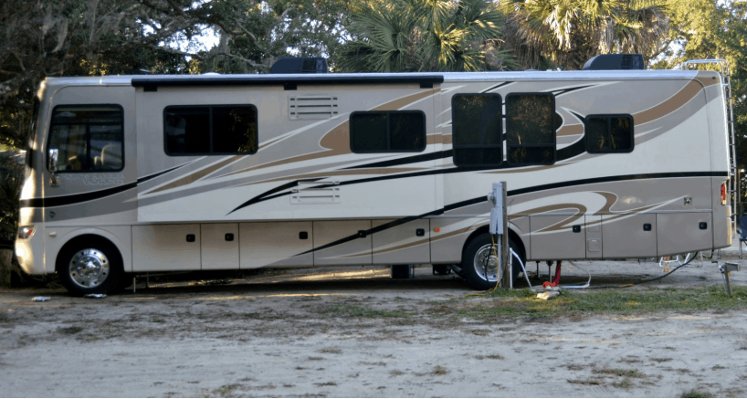 How much is the average RV length, width and height