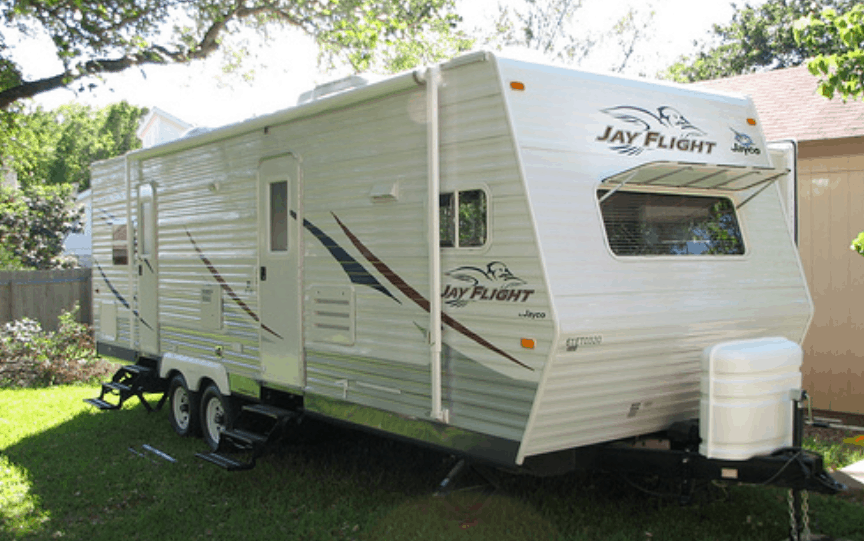 Do travel trailers have brakes