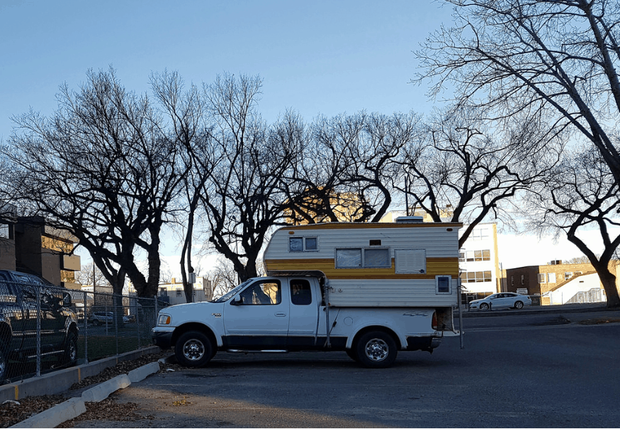 Advantages and disadvantages of truck campers