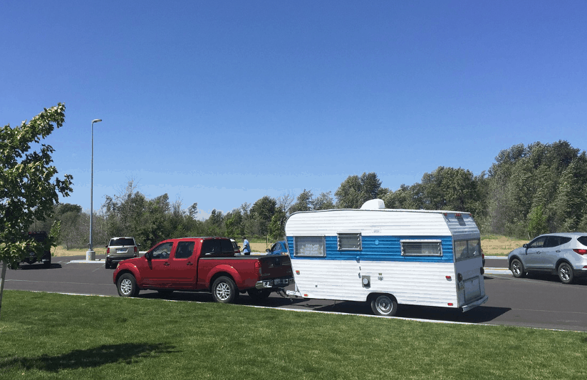 Truck camper vs travel trailer – which one to go for?