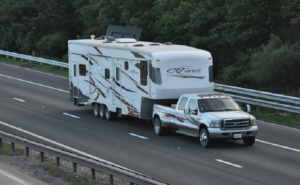 How To Choose Best Truck For Towing A Fifth Wheel (Helpful Guide)